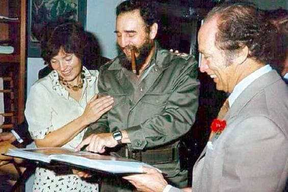 Fidel-Castro-with-Justin-Trudeaus-mom-and-fake-father